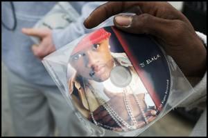 D Black hawking his CD along the Venice Beach boardwalk.