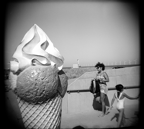 Here's another Holga photo from Amager Strandpark, Copenhagen.
